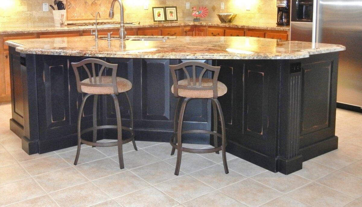 Dura Supreme Cabinetry design by Debra Bittles of Grace by Design, Arizona.