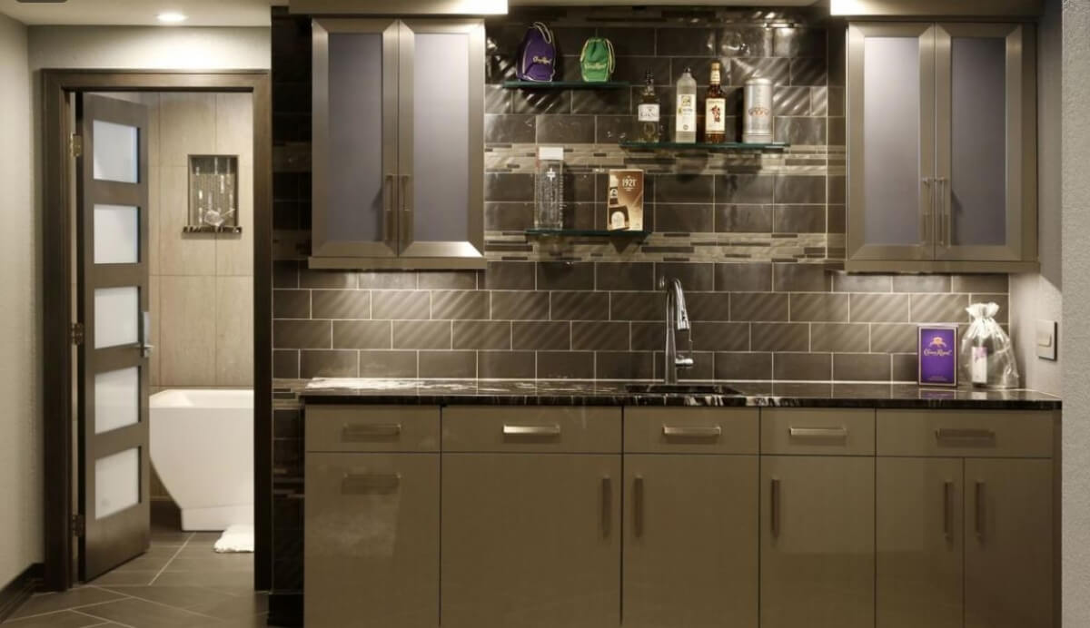 Dura Supreme Cabinetry in high gloss